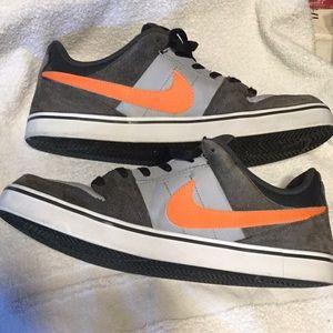 Nike Morgan 2 Low SE  Grey/Orange Size 11